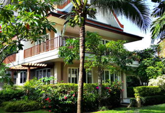 4 Bed Beach Villa with Private Spa in Baan Talay Samran, Cha-Am