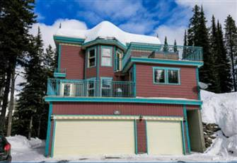 Spacious Ski in-Ski out 1 Bedroom Suite W Private Hot Tub, Bbq - Pet Friendly! -