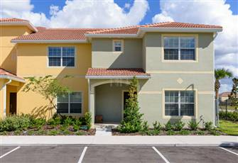 5 Bed Town Home at Paradise Palms