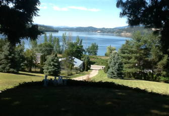 2bdrm Grd Level Walkout, Easy Lake Access, Relaxing Pool & Surroundings