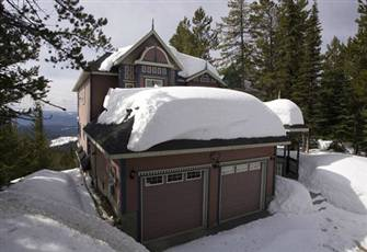 Deluxe 2 Bedroom/2 Bath Suite - Private Hot Tub & Laundry - Sleeps 7