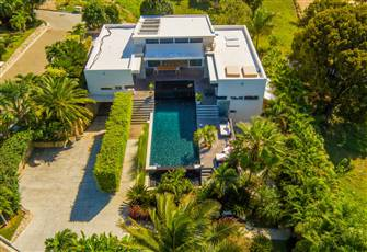 Very Private Modern Villa with Swimming Pool and Ocean View