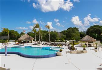 Cancun's New Luxury Poolside Two Bedroom - tc202