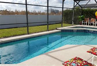 Spacious 4br 2.5ba Villa with Private Pool & Spa