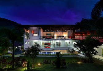 Modern Private 8 Bedrooms