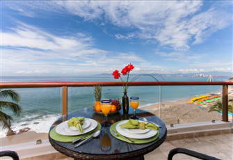 3 Bedroom/4 Bathroom Condo on Los Muertos Beach