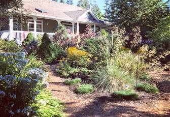 Garden View Suite for up to Four People in Royston Bc Comox Valley