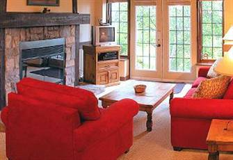 Amazing Algonquin! - Right on the Hill Walk to Festivals & Outdoor Activities.