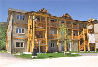 New 2 Bedroom Luxury Condo on Mountain - Hot Tub - Great Rates