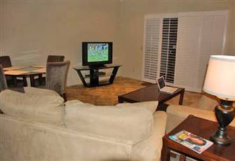 Beautiful 3 Bedroom Condo on Golf Course