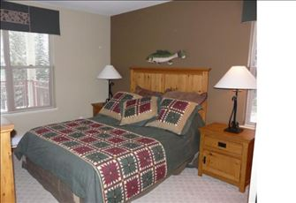 Great Place to Stay - Ski in and Ski out Accommodation (2 Bed + 2 Bath Condo)