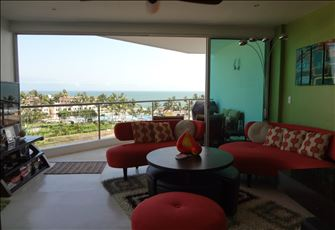 NEW Luxury Beachfront Condo - All Contents BRAND NEW (Jan 2012) - Gorgeous Unit