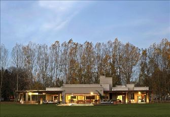 Great Villa Inside Argentina`s Wine Region and Next to the Mountains!