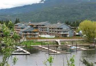 The Narrows 3rd Floor Condo. Lake Front, Pool and Hot Tub, Boat Slip Included.
