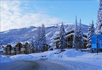 Ski in/Ski out - Family Condo - Private Hot Tub - Free Internet - Golf