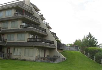 Beautiful 2 Br Waterfront Townhome - Invermere Bc - Private Sandy Beach-Wk-Town