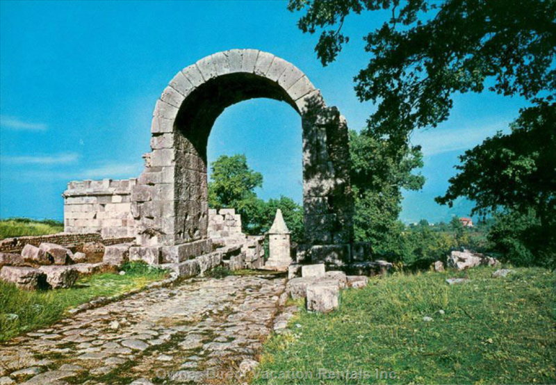 Carsulae Roman Ruins, at 30 Minutes Walking from the Unit