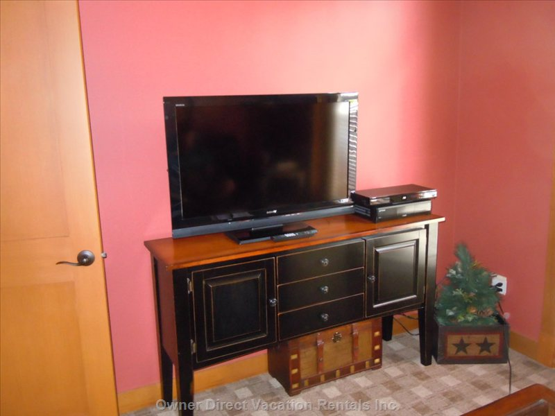 "Den/Bedroom - Sony Bravia 40"" TV with Satellite, Pvr and Blueray Player"