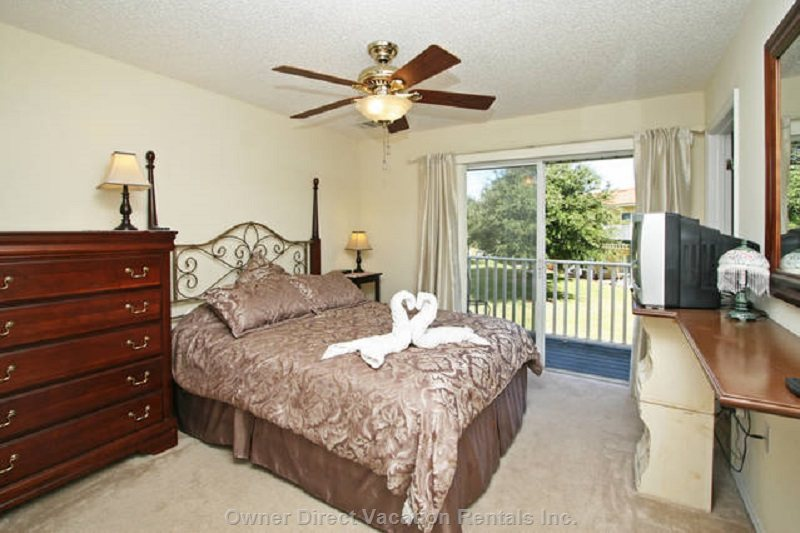 Master Queen Bed Room, TV, Ceiling Fan