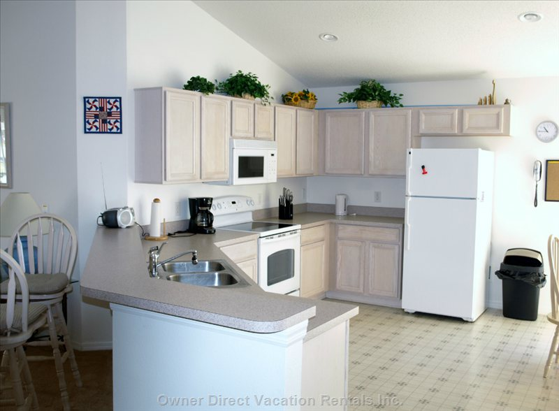 Fully Furnished Kitchen with Everything you Need!