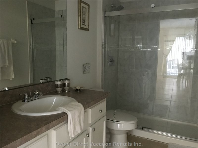 Master Bathroom En-Suite with Walk in Shower