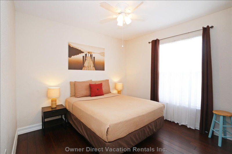 Bedroom 3 with Queen Bed, Large Closet, Ceiling Fan and Air Con