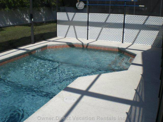 Pool with Privacy Side Panel