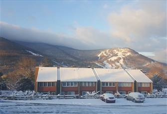 Clean and Cozy Condo with Fireplace and  Fabulous Views of Hunter Mountain