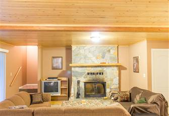 Snuggle up by the Fire in this Comfortable Suite - 1100 Square Feet in Size !!!