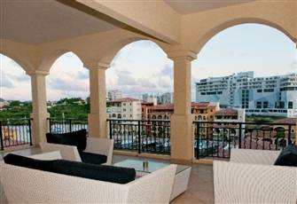 Luxurious and Spacious 2 Br Apartment Available, with New Appliances Post-Irma!