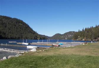 Home in B.C.'s Natural Surroundings for your summer vacation