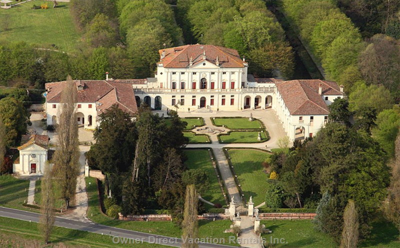 Private Palladian Villa (16th Century). the Self Catering Apartment (8-9 People) is Located in the Eastern Wing