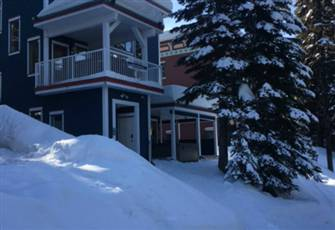 Best Ski in/out Location - 4 Bedrooms, Superb Views, near 2 Chairlifts