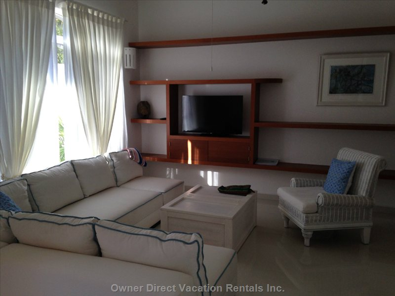 Large Airy Living Room Features Internet Tv, Wifi, Local and International Phones and a Snoozy Comfortable Sofa