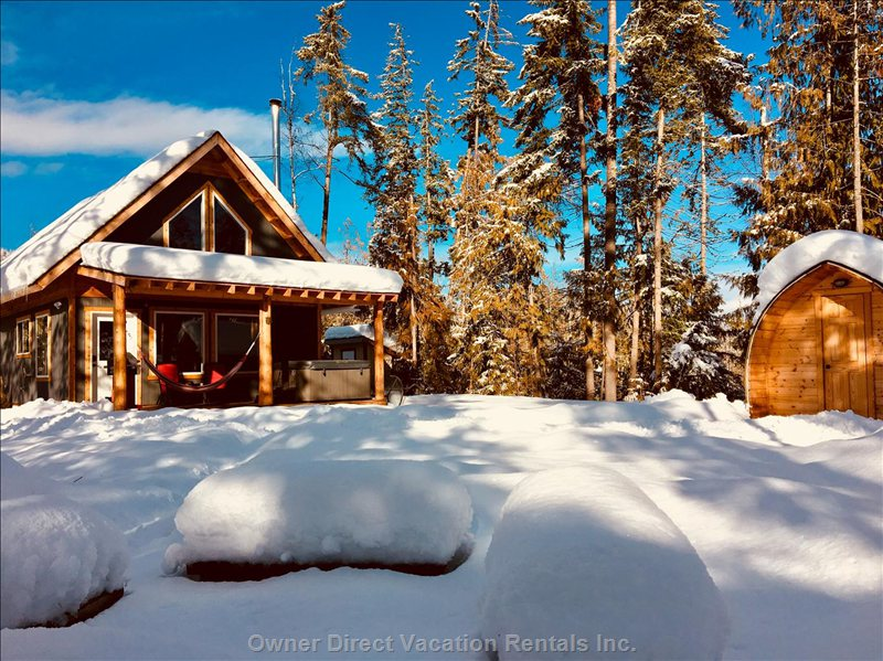 A Cozy Getaway in the Winter with Xcountry Skiing and Snowmobiling Close by