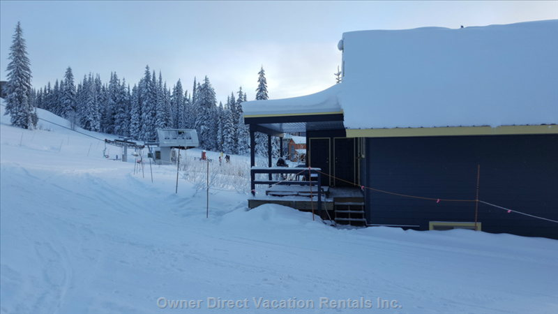 Adjacent to Alpine Meadows Chair and Overpass to Silver Queen Chair. Hot Tub on Deck.