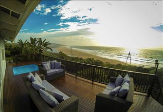 Amanzi Beach House.  Private 5 Bedroom, 12 Sleeper Guest House... On the Beach