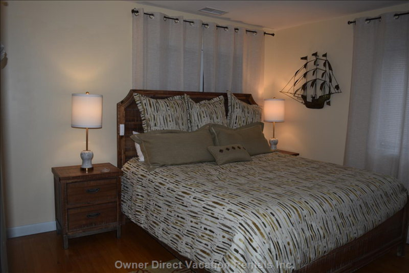 This King Size Ensuite Bedroom is Also in the Second Floor its the  2nd of 3 Ensuites