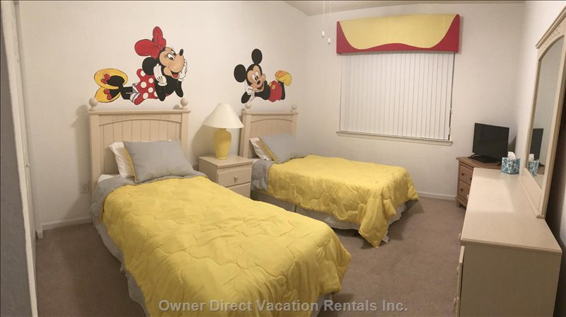 Disney Themed Children's Bedroom - 32 in Led Flat Screen Tv, Blueray Dvd