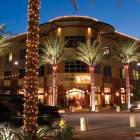 More Shopping, Dining and Entertainment Mins Away @ Kierland Commons !!?????