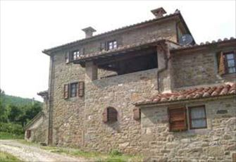 This farmhouse has been divided into 5 apartments and can be rented as a whole