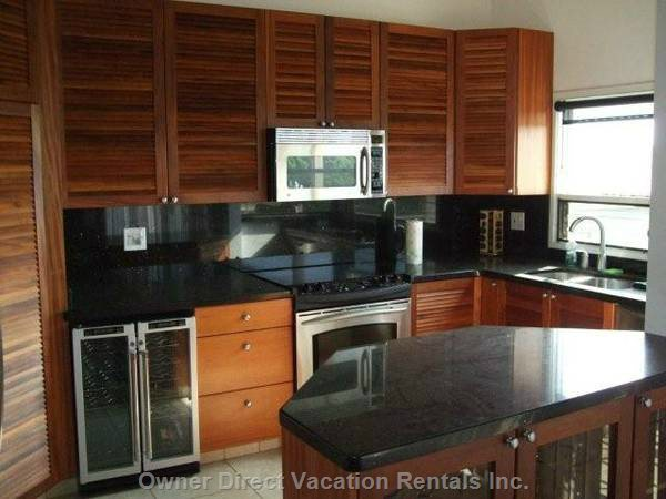 Completely Remodeled, Wine Refrigerator, Water Filter in Refrigerator with Ice Maker