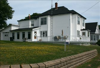 Large Island Home on Beautiful Bay of Fundy with Whale Watching Tours Arranged.