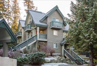 *New* Stylish 3 Bed, 3 Bath Townhome, Close to Village, Sleeps 4-6, Ski Home!